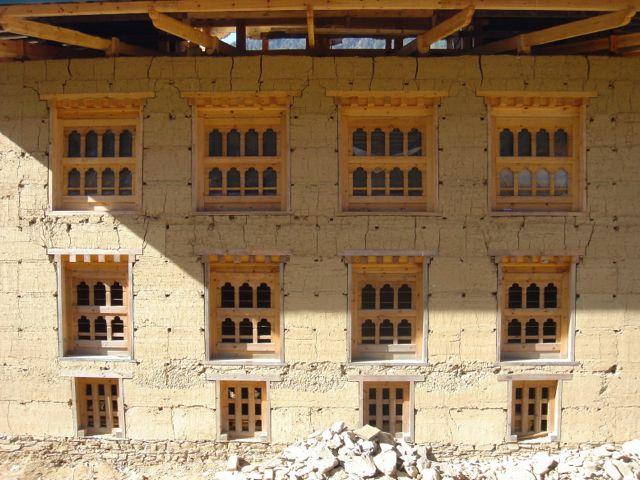 BHUTAN-hires